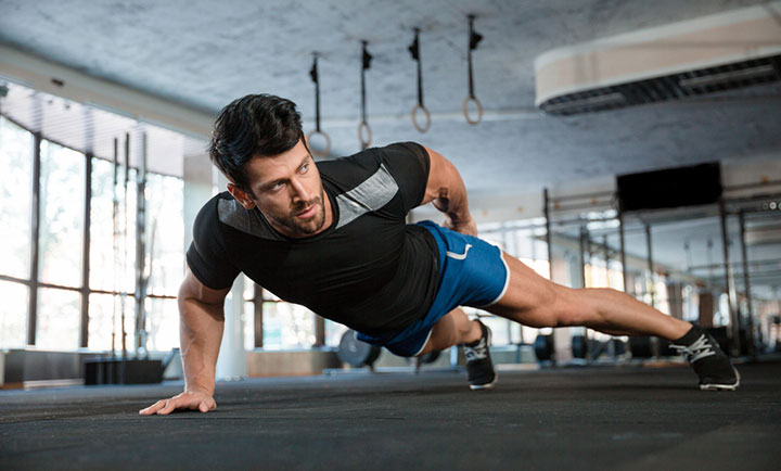 自重筋トレの基本!腕立て伏せの効果的なやり方とは?